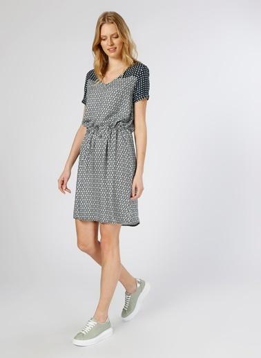 Limon Company V Yaka Desenli Kısa Elbise Renkli